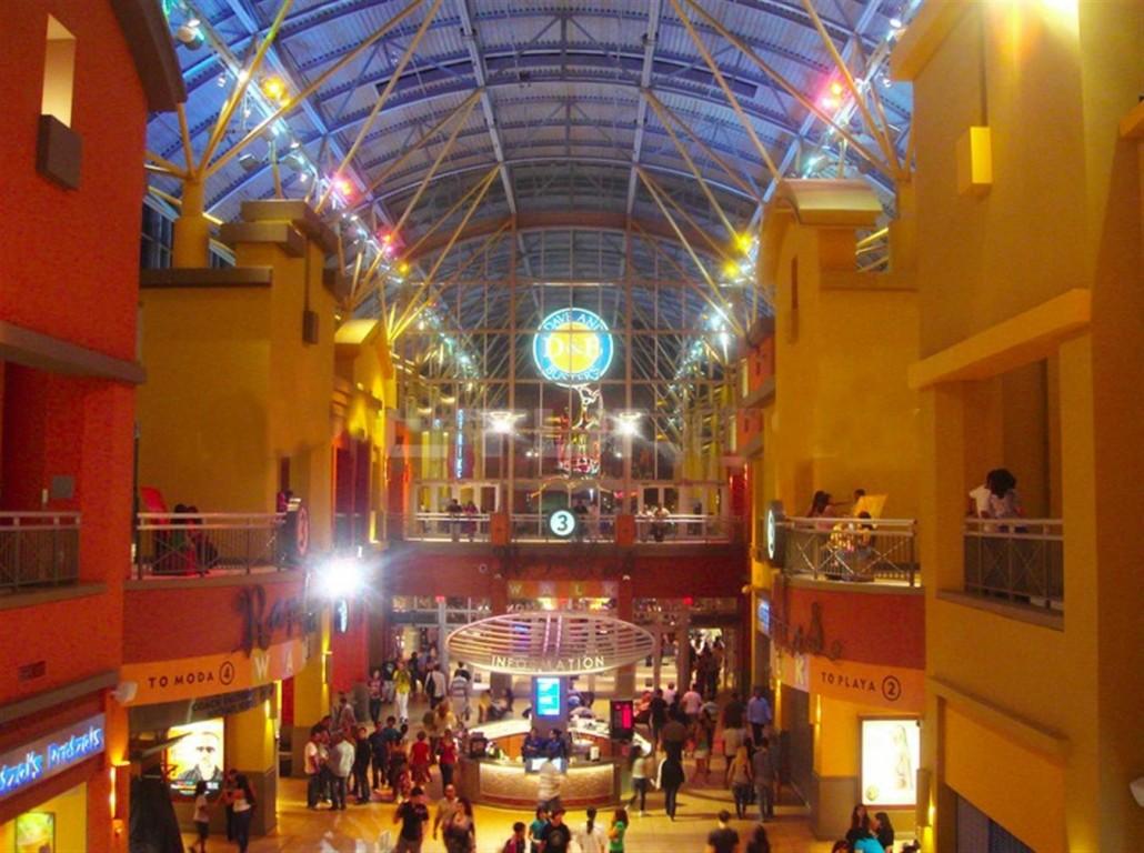 D B Dolphin Mall Compras em Miami nos m...